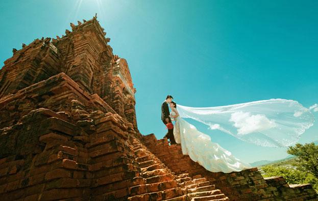 Ảnh cưới chụp tại tháp chàm