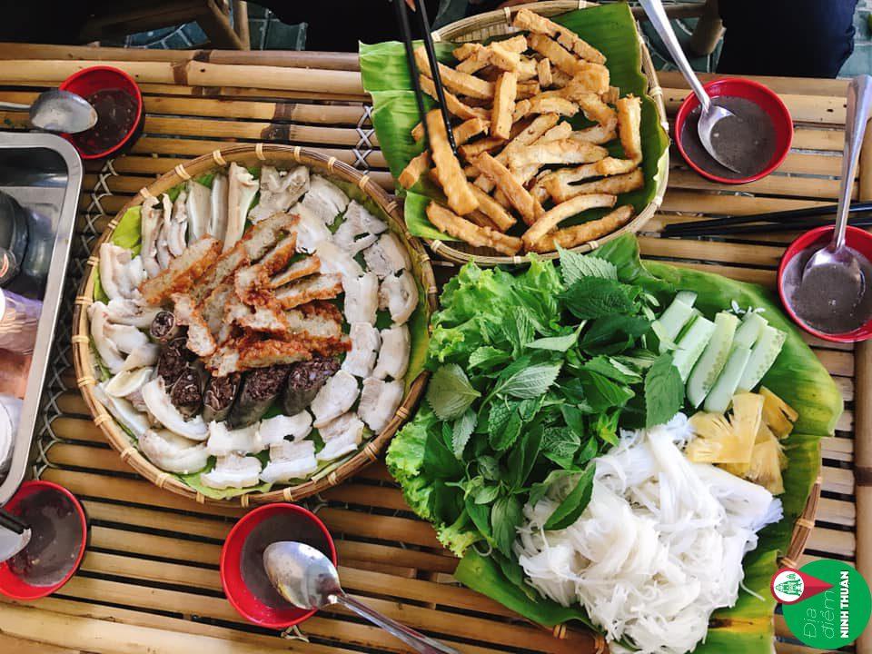 Bếp Én – Bún đậu mắm tôm Số 5 Lê Hồng Phong Phan Rang