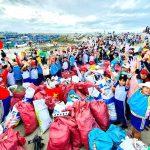 Hơn 8.600 người dọn sạch bờ biển Ninh Thuận
